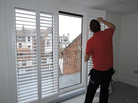 What to Look Up Before Hiring Reliable Experts for Installing Shutter